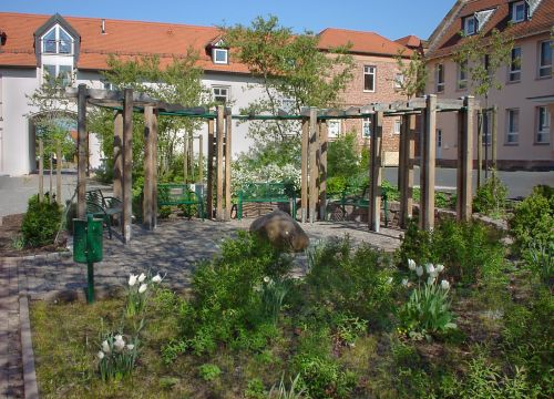 Architekt Krueger Freiflächengestaltung Gestaltung Freifläche mit Brunnen am Dalles Altenhasslau Krüger Platz Platzgestaltung